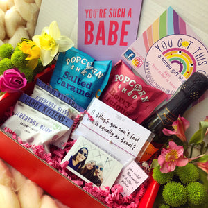 Ladies Who Picnic Package (With prosecco)