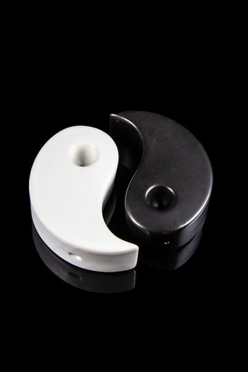 "Art of Smoke ""Yin and Yang"" Hand Pipe Set - Art of Smoke ""Yin and Yang"" Hand Pipe Set"