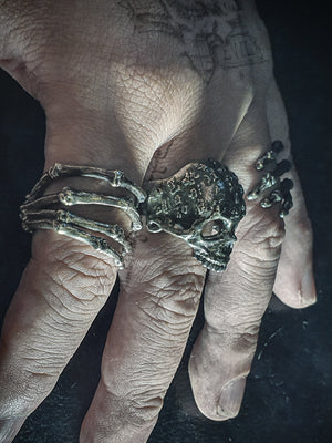 Skull Ring | Skeleton Hands
