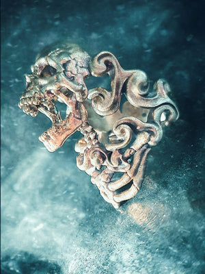 Skull Ring | Water Spectral