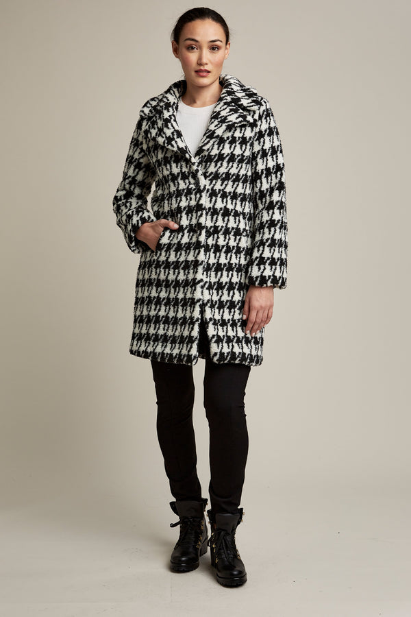 Tahari Brit Houndstooth Coat