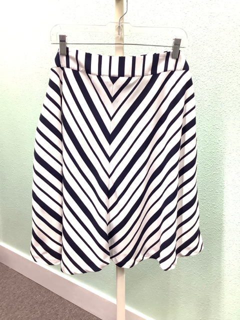 Lane Bryant Navy and White Stripe Skirt Size 18 2A
