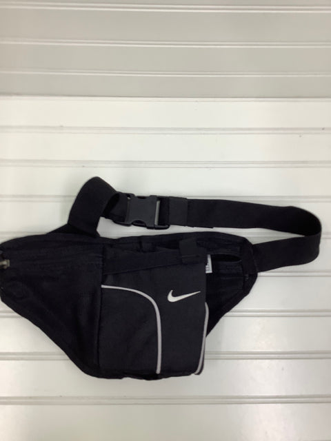 Nike Fanny Pack Hydration Waist Pack Adjustable Waist Black 2E