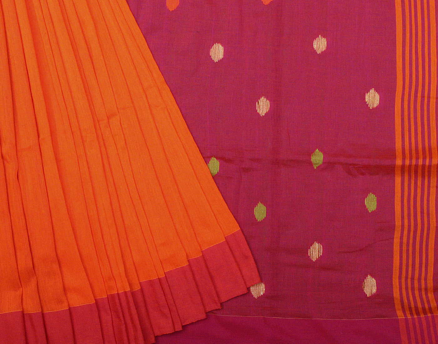 Handloom Pink 'N' Orange Linen Saree With Fringes