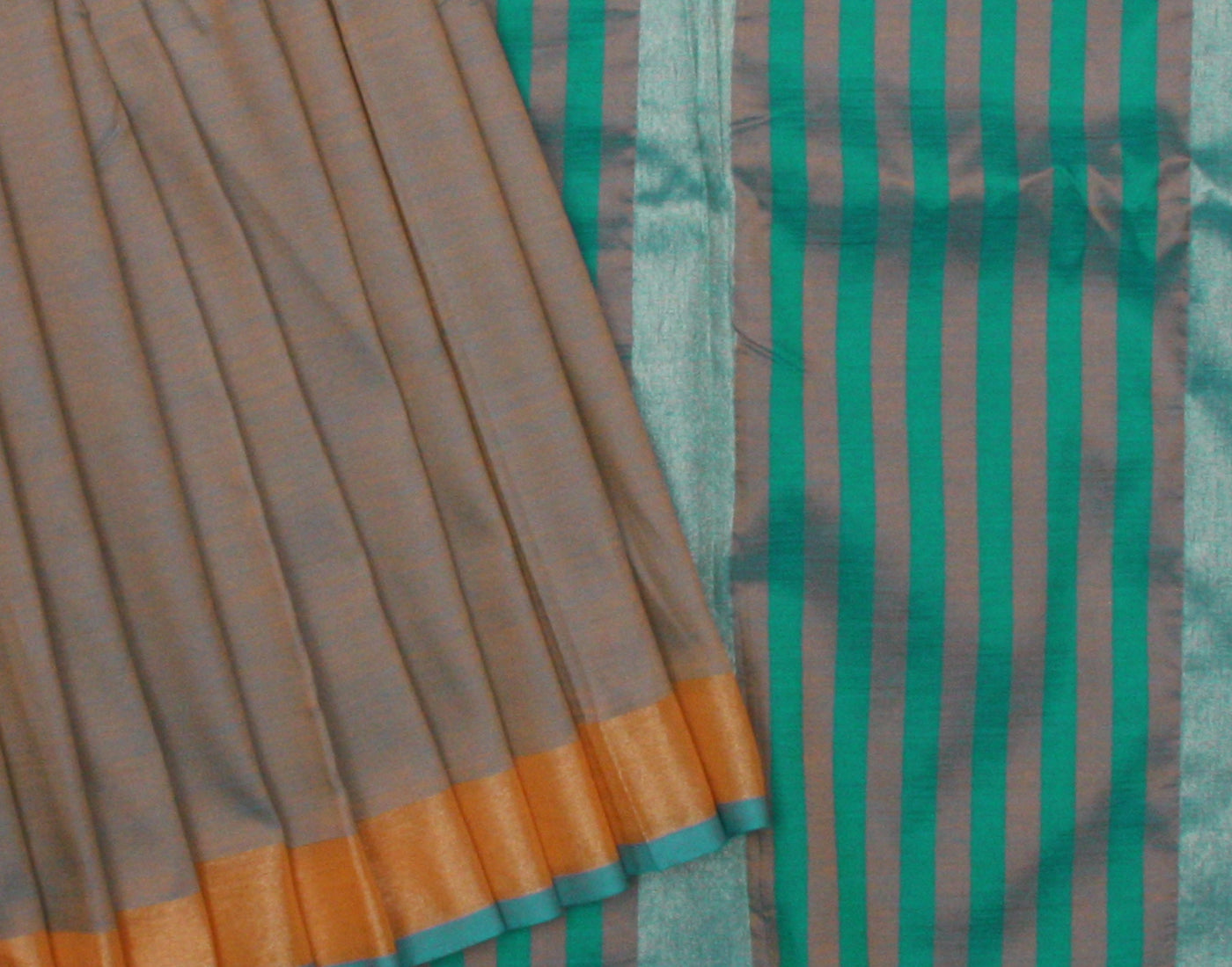 Handloom Green Silk Cotton Saree With Fringes