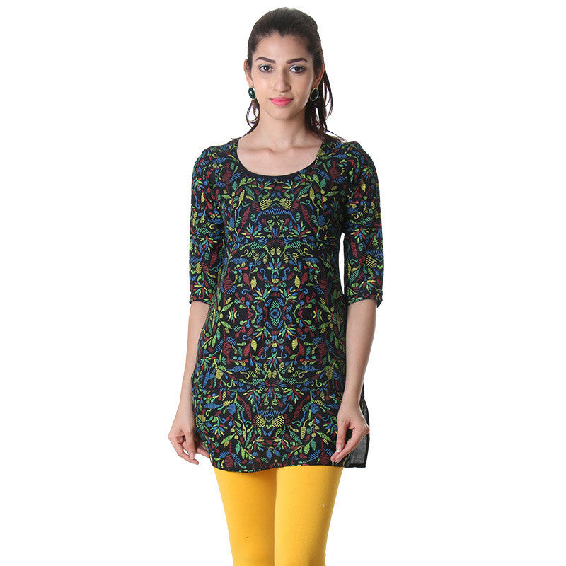 eSTYLe Black Round Neck Tunic Top With Contrast Prints.