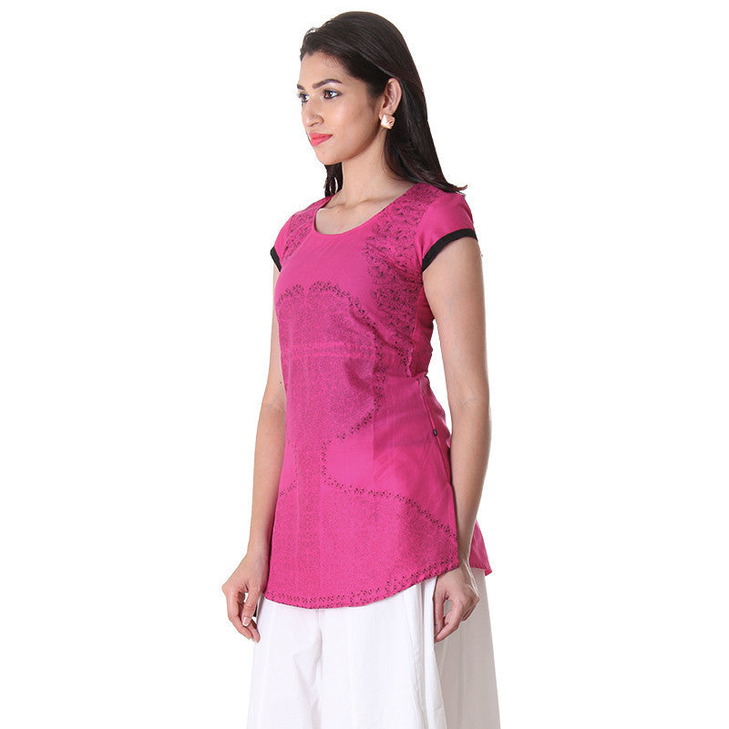 Western Tops - Magenta Printed Cotton Tops With Adjustable Waist Belt.