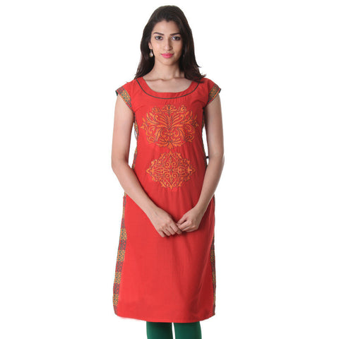 Poppy Red Boat Neck Kurti With Contrast Threadcord Piping And Printed Side Pannel.