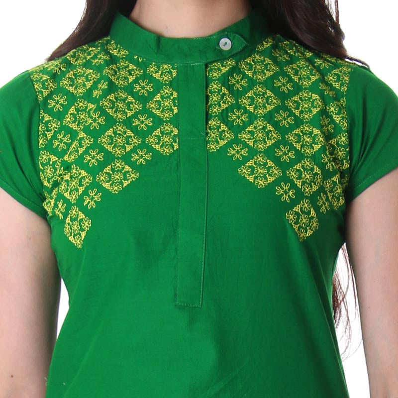 eSTYLe Green Semi Formal Round Neck Kurta With Contrast Floral Prints.