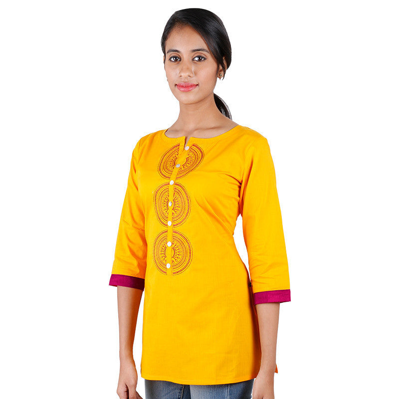 eSTYLe Yellow Embellished Tunic With Button Down Yoke