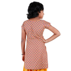 eSTYLe Girls Pink 'N Green Printed Kurta With Button Work