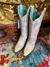 Load image into Gallery viewer, Creme Corral Boots with Stitch Inlay