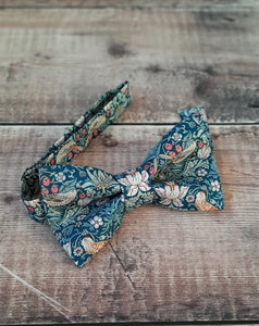 Liberty Strawberry Thief Floral Bowtie And Pocket Square Set