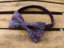 Load image into Gallery viewer, Purple Paisley Bowtie.