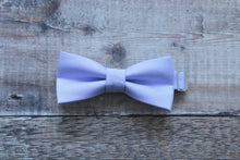 Load image into Gallery viewer, Slim Bowties In Pastel