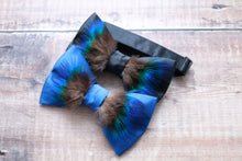 Load image into Gallery viewer, Peacock Feather Bowtie.