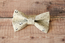 Load image into Gallery viewer, Panda Print Bowtie.