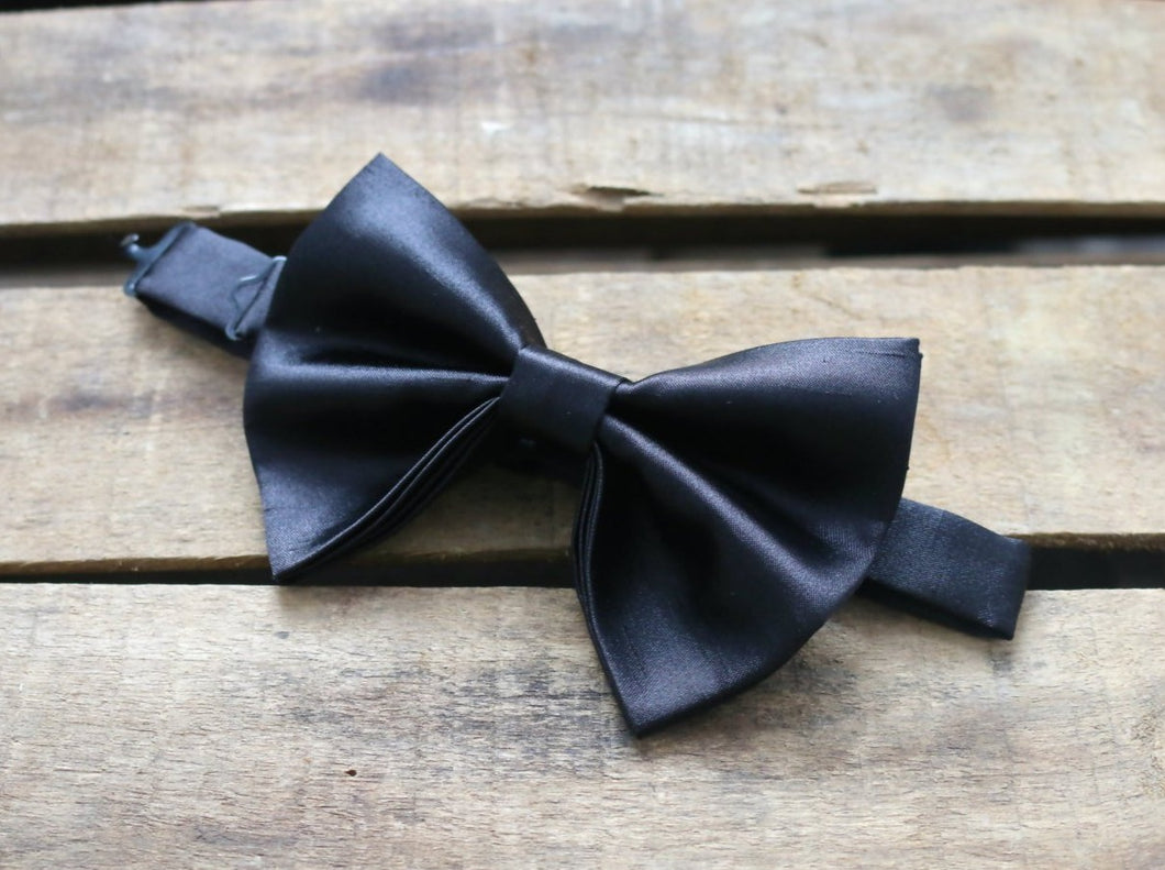 Large Butterfly Bowtie.