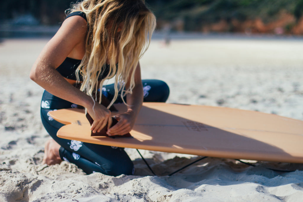 Salt Gypsy releases new colours in their women's surfboard range. Apricot in the Shorebird twin fin. | us.saltgypsy.com #saltgypsy #womenwhosurf #saltgypsyboards #womenssurfboards