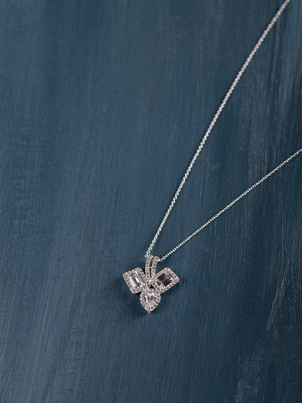 Tri-Solitaire Pendant (With Chain)