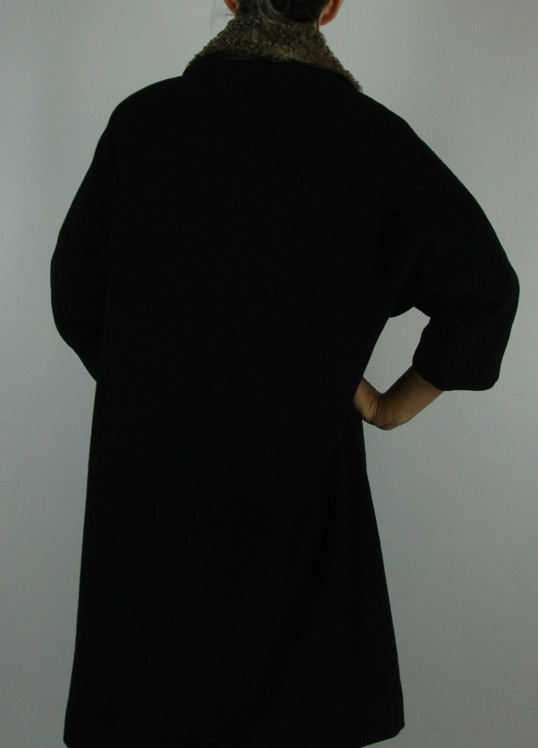 BLACK MELTON clutch coat cropped sleeves ASTRAKHAN collar S M