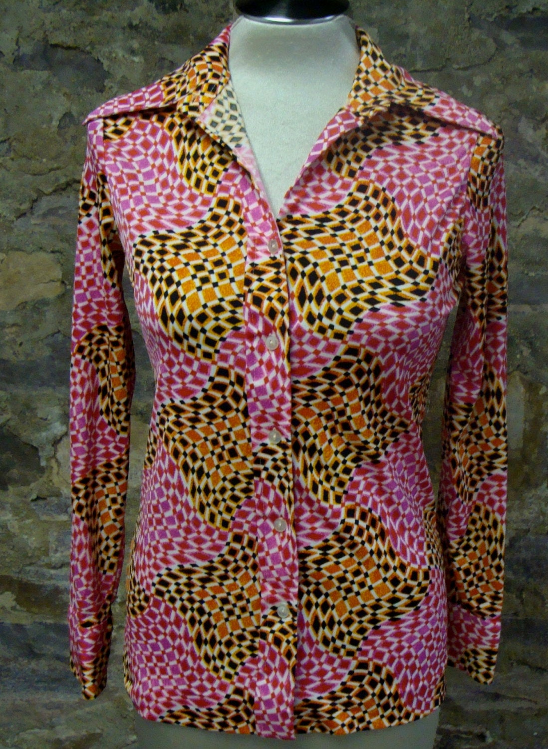 lucky pierre BUTTON FRONT SHIRT geo pink poly blouse xs S (F1)