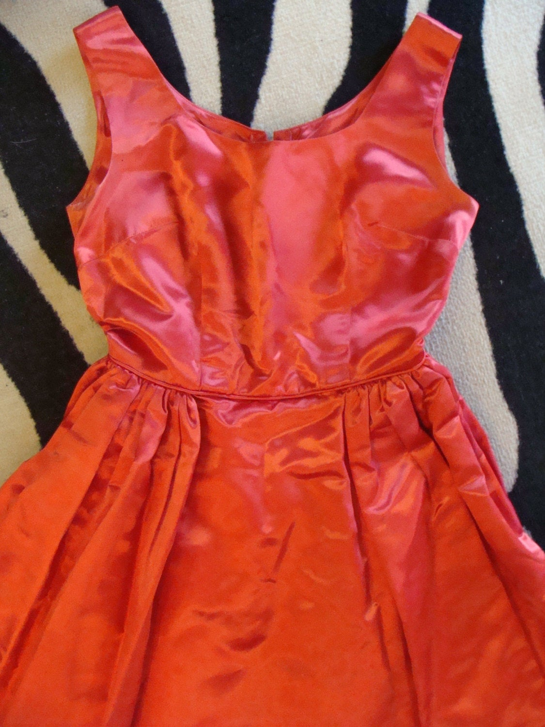 RED satin PARTY DRESS 1950's 1960's vintage 34 bust 25 waist S (F3)