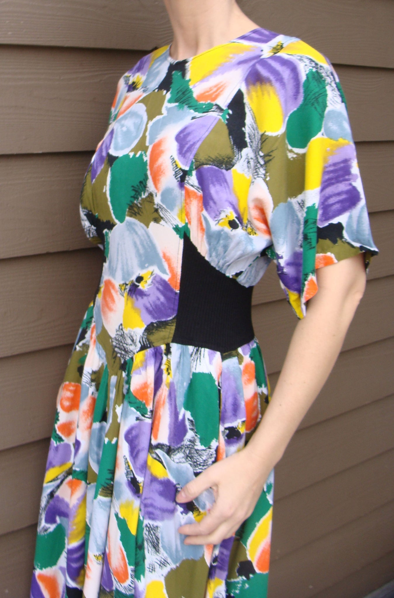 1980's FIT-N-FLARE DRESS bright colors dolman sleeves S M 80's (A1)