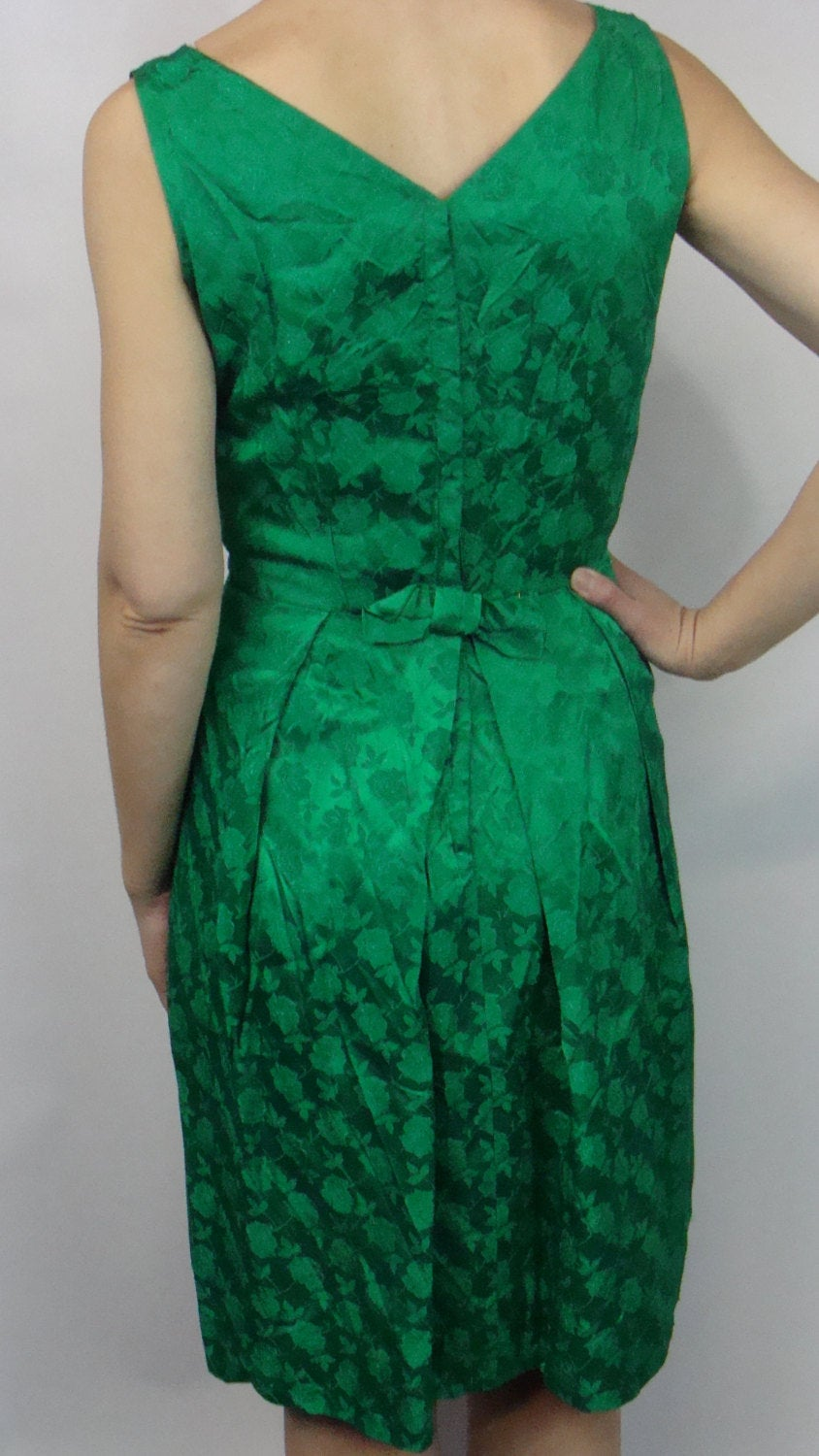 EMERALD GREEN satin jacquard COCKTAIL dress vintage 1960's 60's S M (D1)
