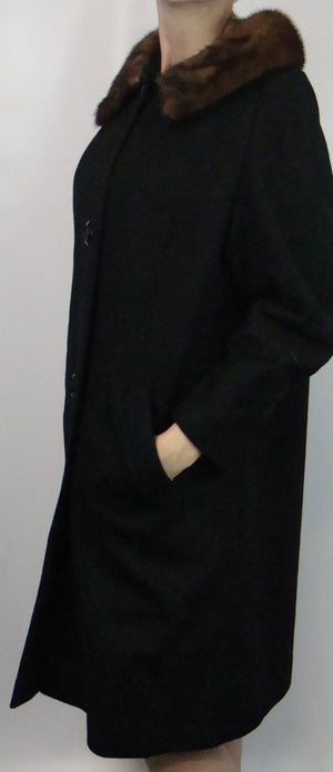 beautiful BLACK WOOL COAT vintage with mink collar 1960's 60's M