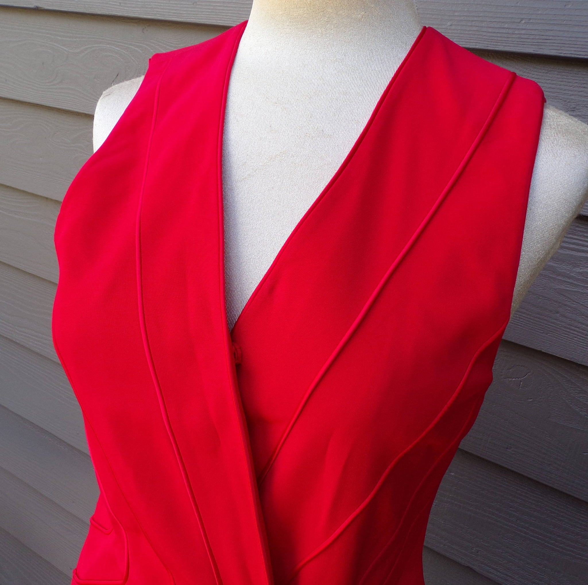 "1990's RED VEST TOP 90's S 34"" bust (K7)"