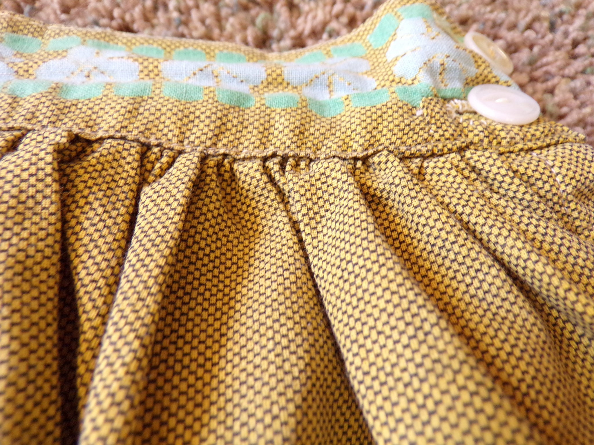 1950's NOVELTY PRINT SKIRT 50's cotton full xs 24 waist (A8)