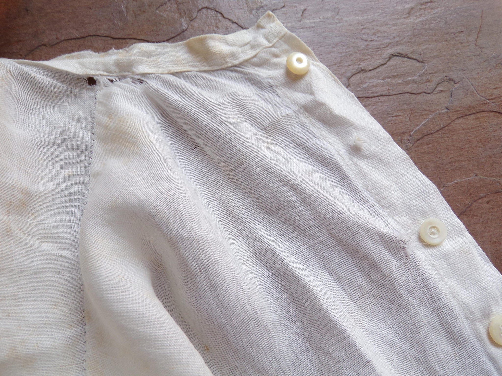 WHITE EDWARDIAN BLOUSE layering sleeveless back button xs S (H2)