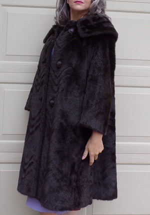 FAUX FUR COAT dramatic collar chevron nap vintage 1960's 60's S M