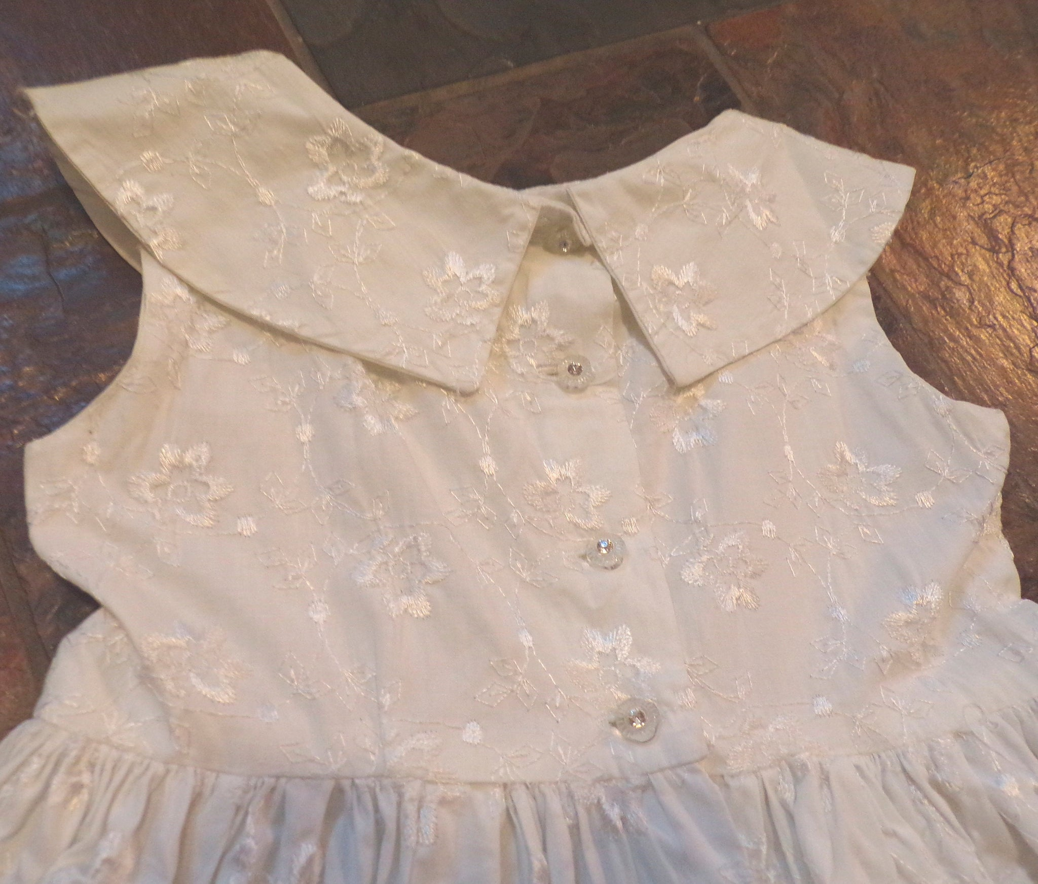 50s 1950s GIRLS VINTAGE DRESS embroidered white 3 4 (E3)