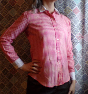 RED and WHITE GINGHAM gentry blouse 1960s 1970s S xs (B1)