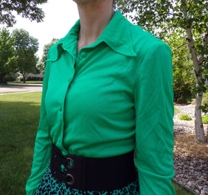 GREEN BUTTON-FRONT 1970's blouse 70s shirt S (D5)