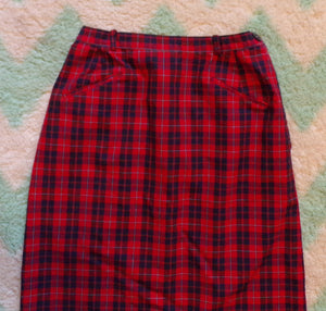 RED and NAVY PLAID pencil skirt 1950's 1960's preppy xs (D9)