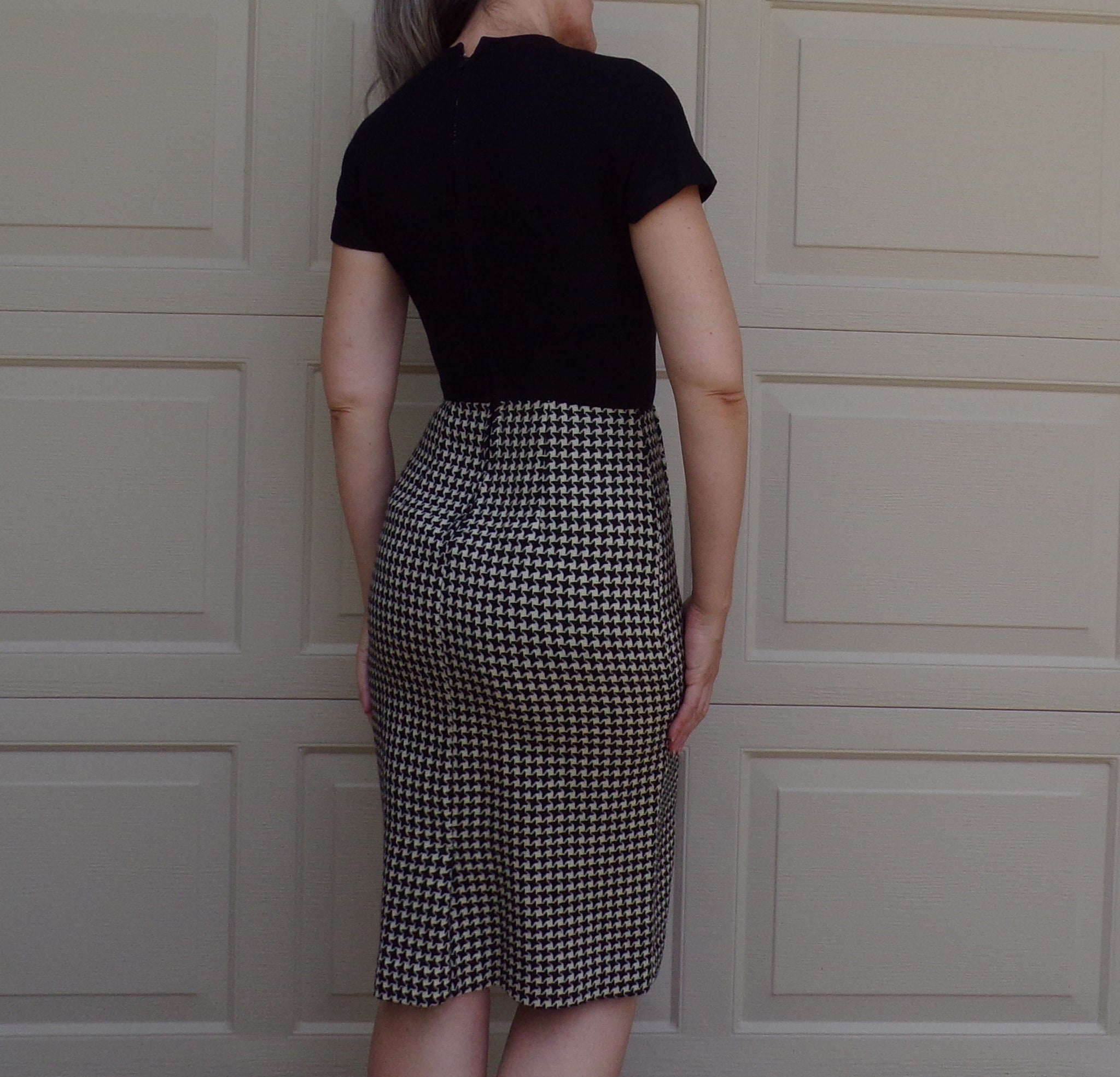 HOUNDSTOOTH WIGGLE DRESS and jacket set 1950's 1960's S (B9)