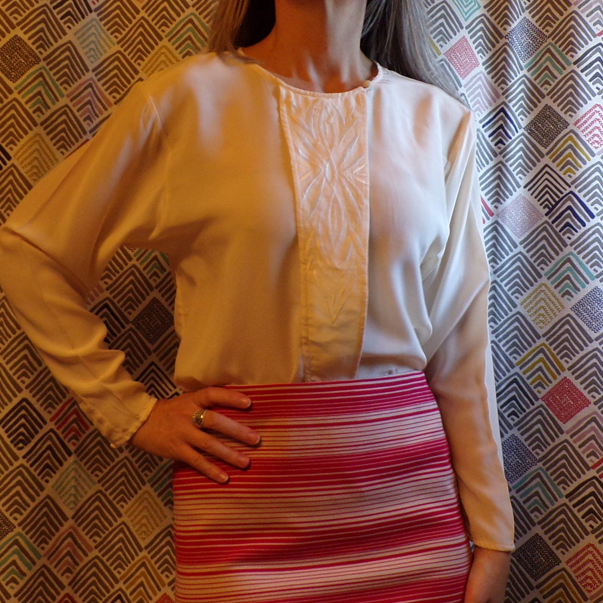 1980's IVORY SILK BLOUSE 80's normcore S M (E5)