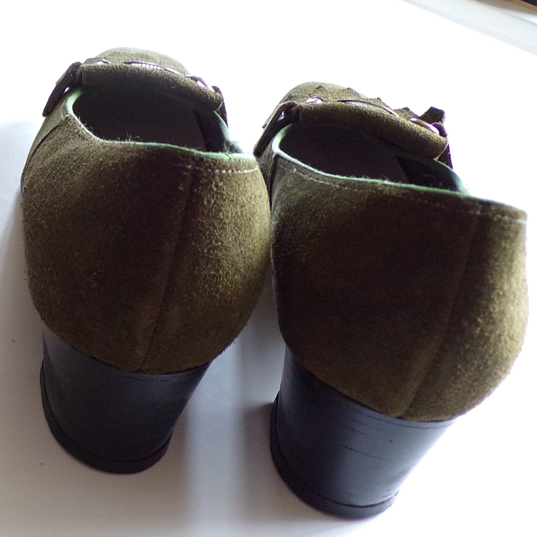 1960's NATURALIZER olive green SUEDE SHOES pumps 7.5 8 N