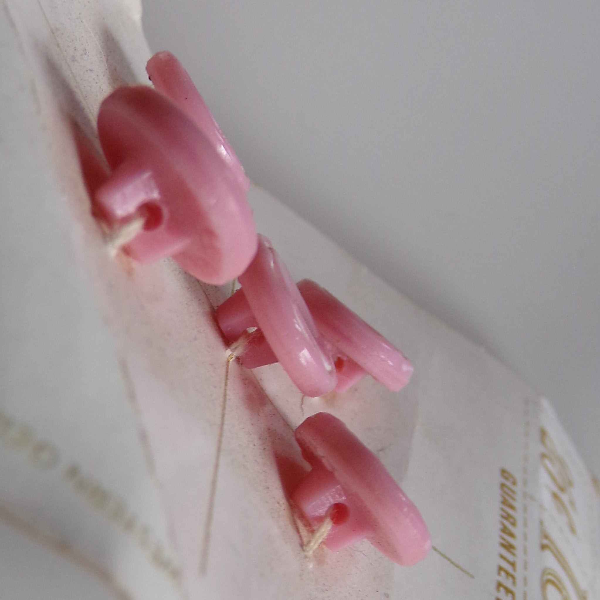 vintage LE CHIC card of BUTTONS pink 50's 60's deadstock