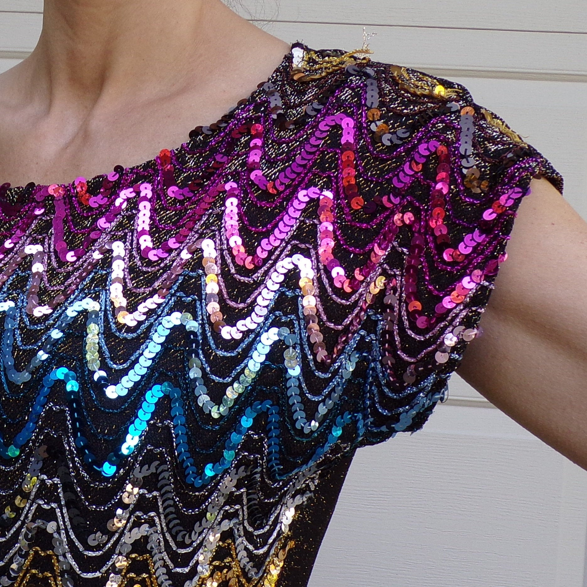 1980's RIO SEQUIN TOP tee 80's rainbow sparkle S M (G9)