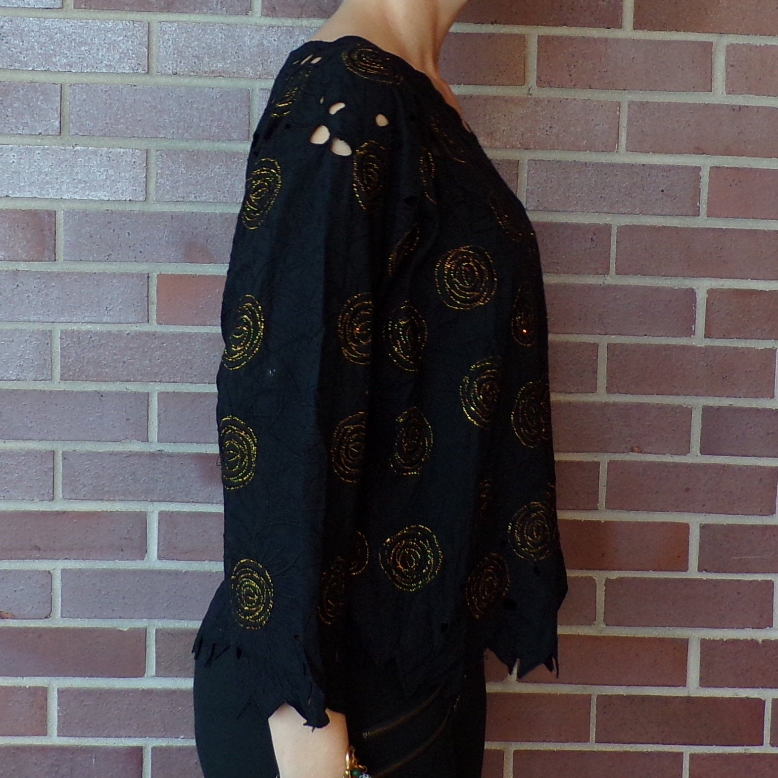 1980's BLACK embroidered RAYON cutout BLOUSE 80's S M (H4)