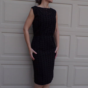 BLACK LEAF EYELET sleeveless wiggle dress 1950's 1960's S M (E8)
