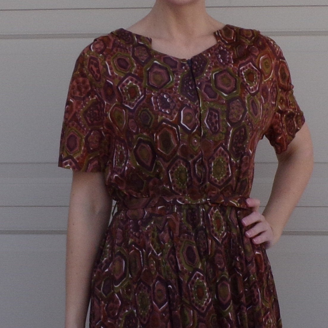 GEOMETRIC PRINT jersey DRESS with belt olive brown M L (A8)