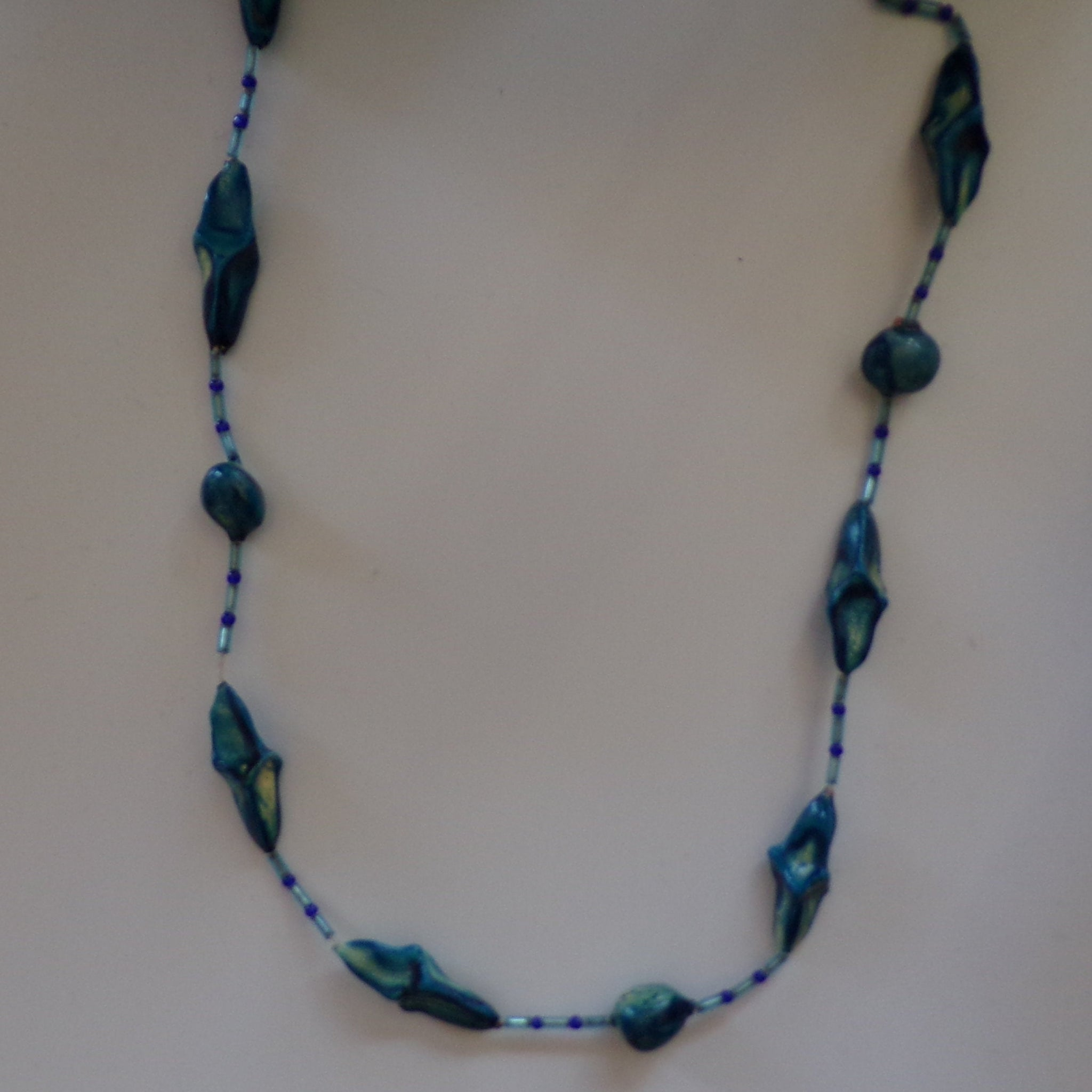 GLAZED WOODEN BEAD necklace 1970's 1980's (C6)