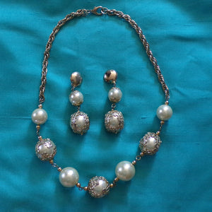 1960's BAUBLE NECKLACE + EARRINGS set 60's jewelry (C6)
