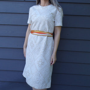 tan and ivory VINTAGE SHIFT DRESS diamante textured with tie belt L xl (E6)