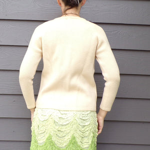 IVORY GRANNY SWEATER wool with embroidered pockets xs S (D8)